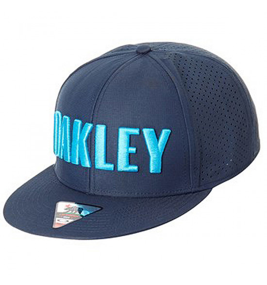 Boné Oakley Perf Hat Azul ref  911702-6B2 69129c7734c