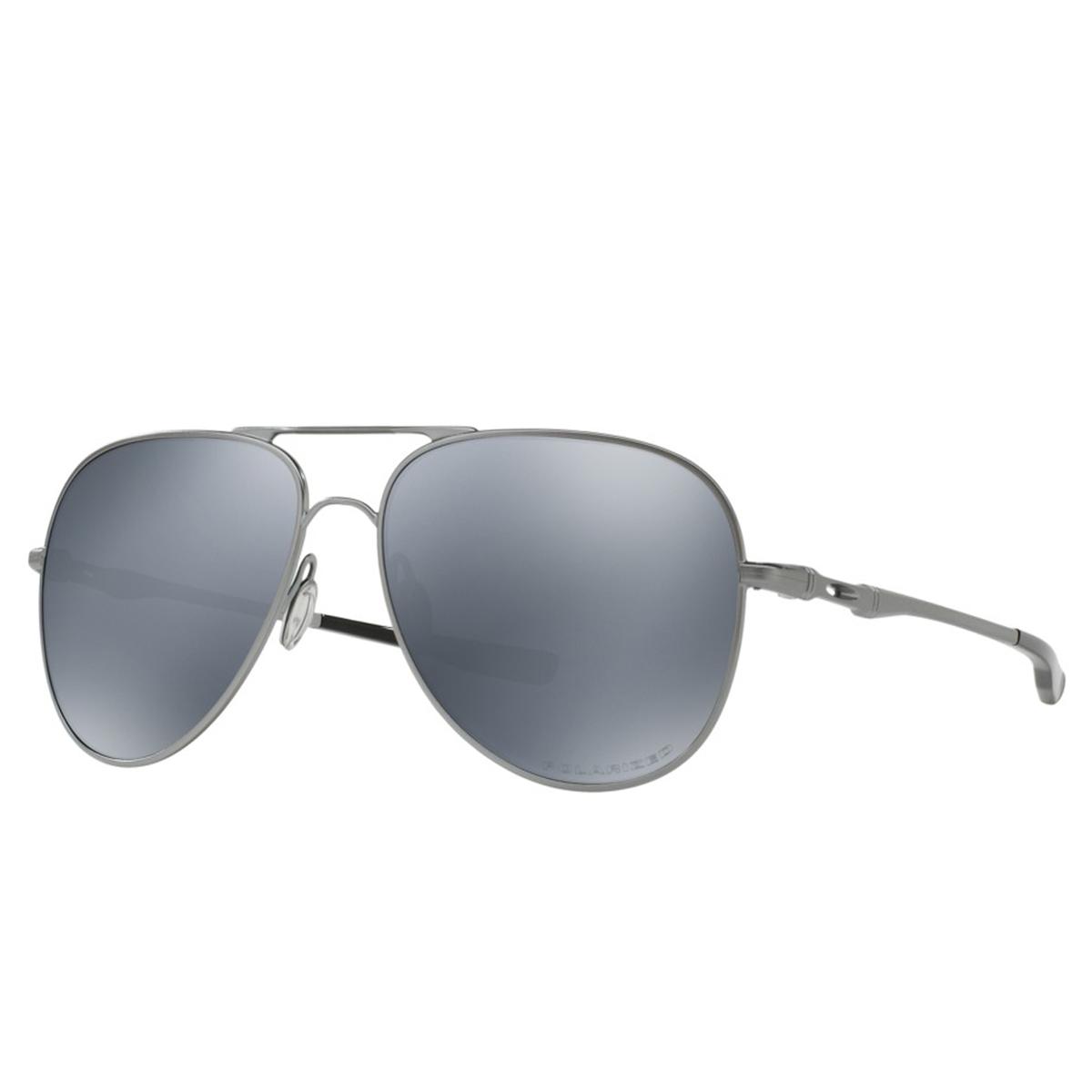 9b0b8142e5fee Óculos de Sol Oakley Elmont 60 Dourado - Compre Agora   Dafiti Brasil  Óculos Oakley Elmont L Lead  Lente Black Iridium Polarizado ref OO4119-06